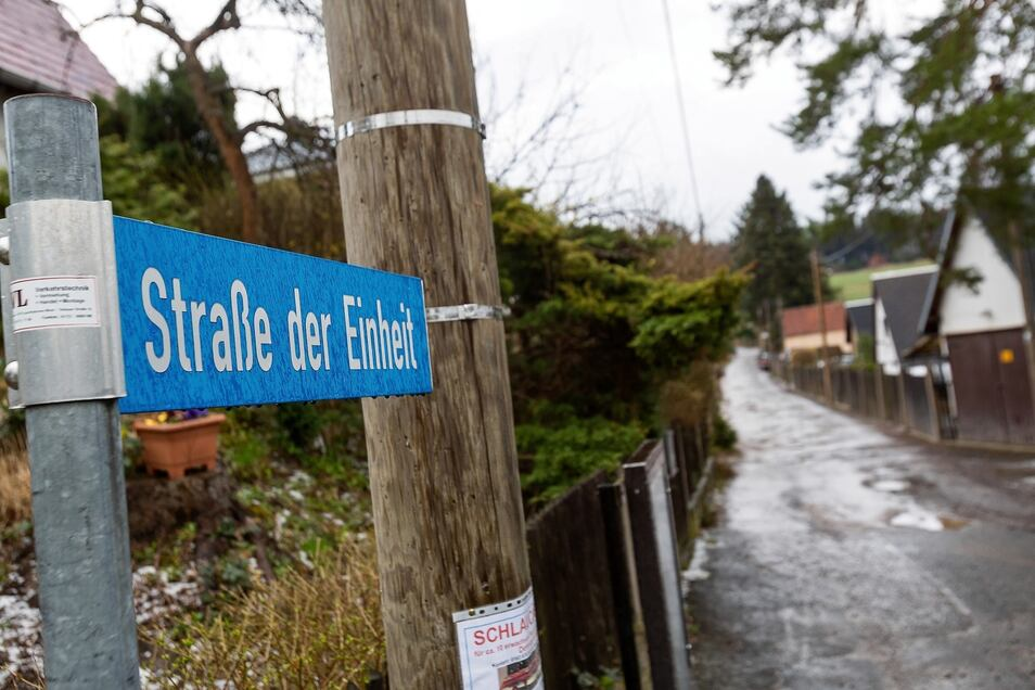 Anwohner in Malter müssen noch lange warten: Die Straßen in der Siedlung in Malter müssten dringend von Grund auf ausgebaut werden. Aber dafür sind bisher keine Mittel vorgesehen.