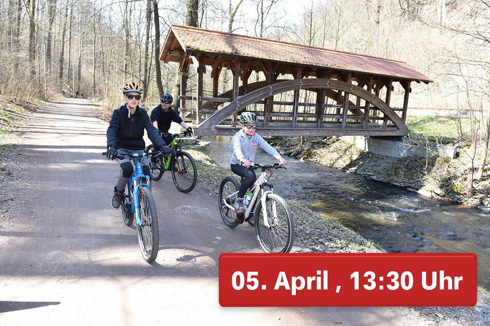 Im Rabenauer Grund ist wenig los. Nur drei Radfahrer kommen an Rabenauer Mühle vorbei.