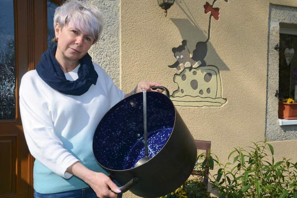 Jana Strahl ist mit Herz und Seele Gastwirtin. Nun bleibt der Kochtopf aber meistens leer – und die Sorgen drücken.