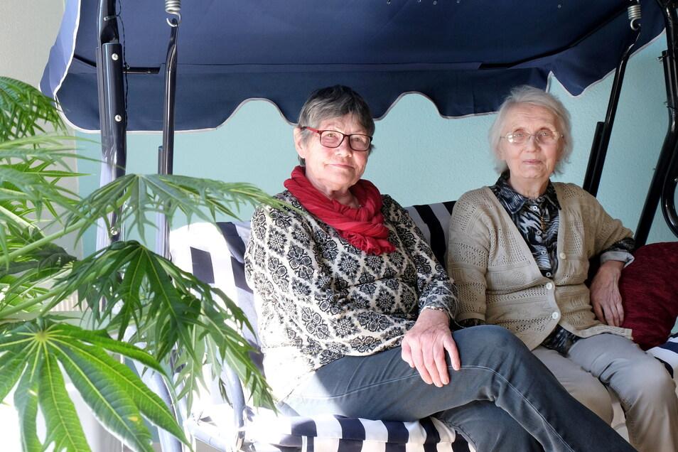 Vor vier Jahren haben sich Gundula Rudolf und Erika Eckert haben sich in der Demenz-WG in Weinböhla kennengelernt.
