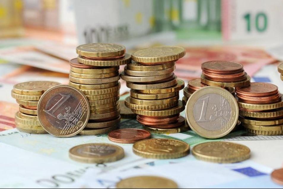Kinder Jugendliche bekommen Geld vom Neukircher Töpferfest. (Symbolfoto)