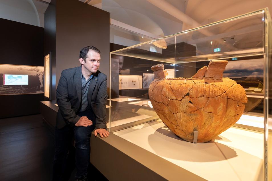 Markus Bitterlich hat die Ausstellung über die Bronzezeit kuratiert.
