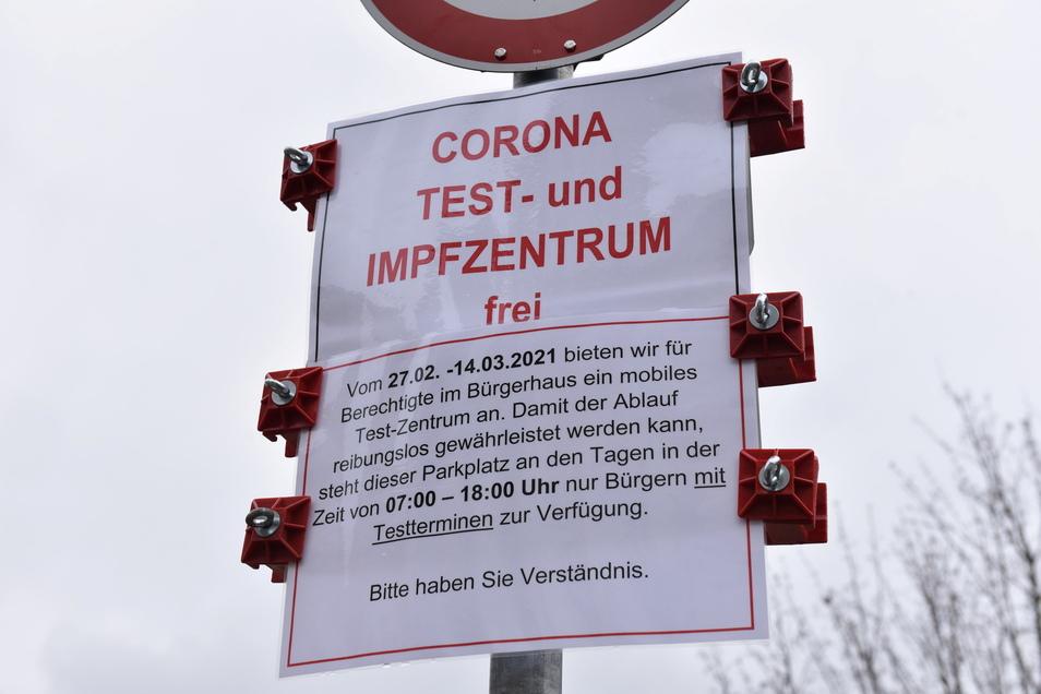 Parken nur für Besucher des Corona-Zentrums Bannewitz.