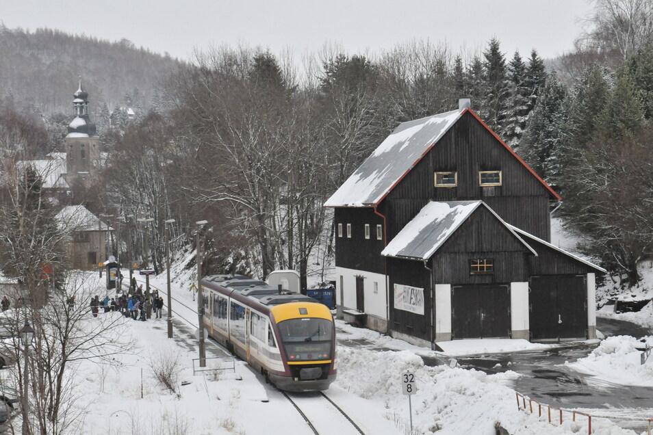 In der kommenden Woche werden tagsüber keine Triebwagen am Bahnhof in Geising halten.