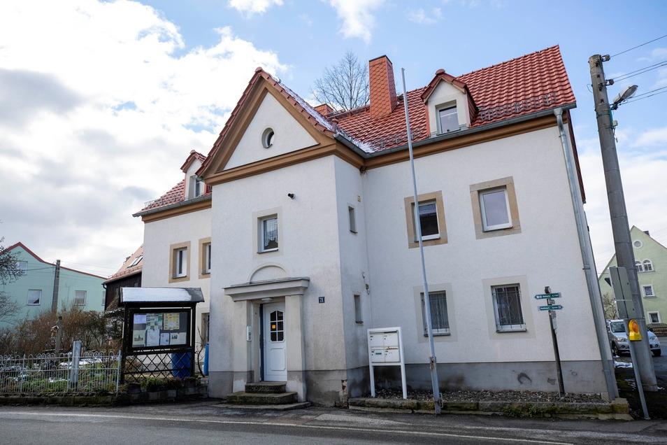 Jetzt kann es nicht mehr nur von außen angesehen werden, sondern auch wieder von innen: das Maxener Museum am Dorfplatz.