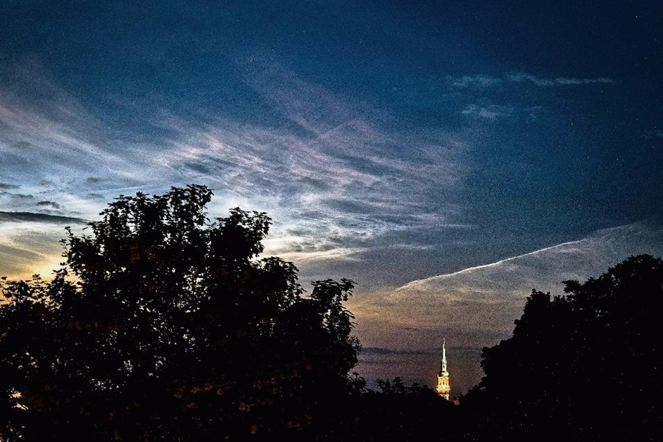 Ein tolles Wetterspektakel war jetzt am nächtlichen Himmel über Radeberg zu beobachten.