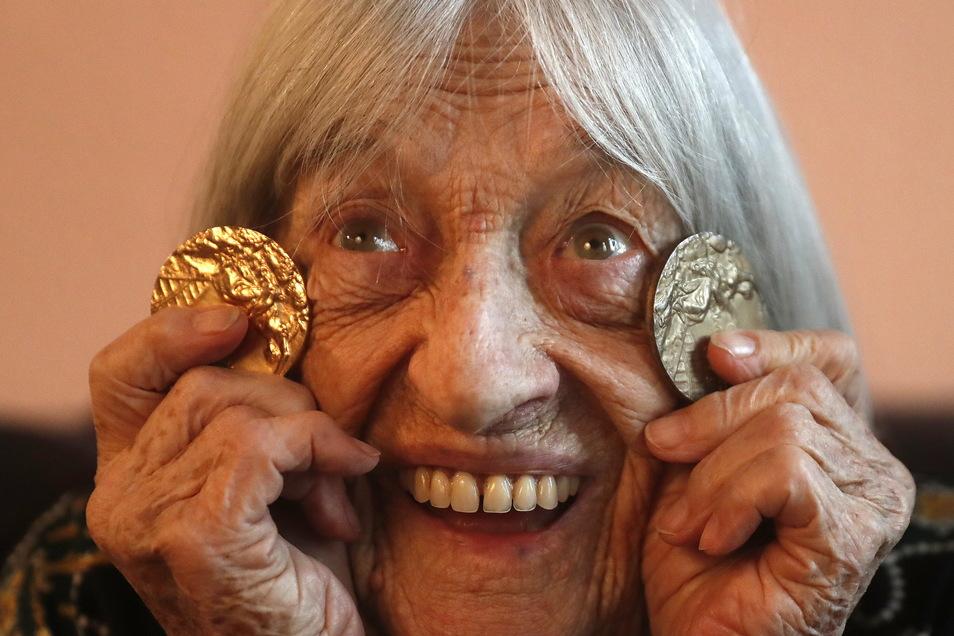 Erst verhinderte der Krieg, dann eine Verletzung ein früheres Olympiadebüt von Agnes Keleti. Die Ungarin holte dennoch fünfmal Gold und fünf weitere Olympiamedaillen.