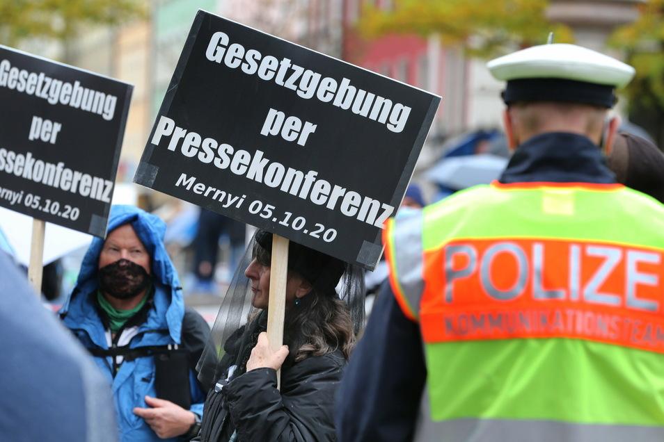 """DA Hackerkollektiv """"Anonymous Germany"""" hat jetzt sensible Daten tausender Mitglierder veröffentlicht."""