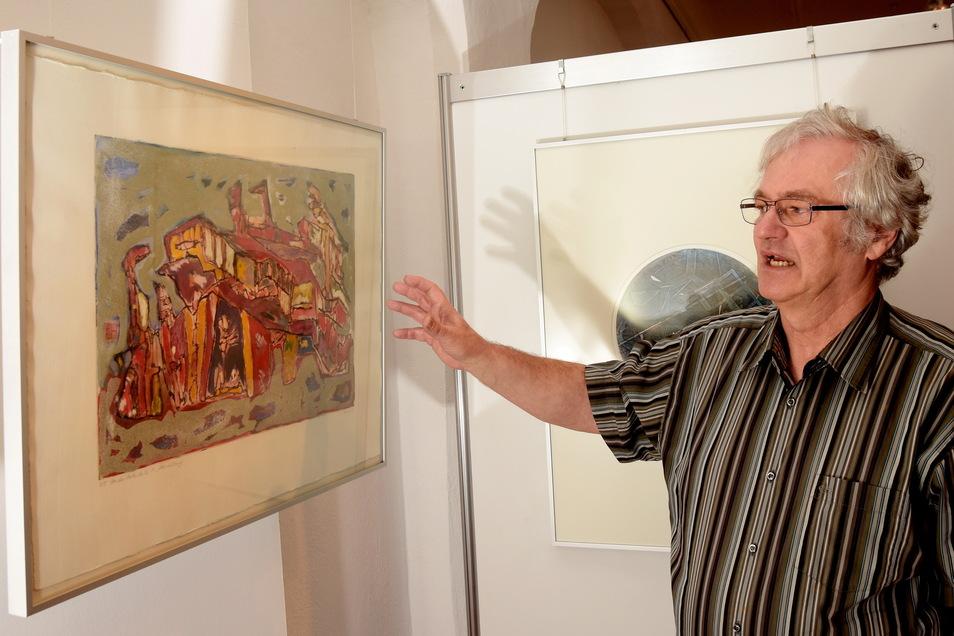 Heinz Ferbert in einer Ausstellung im Museum Alte Lateinschule Großenhain.