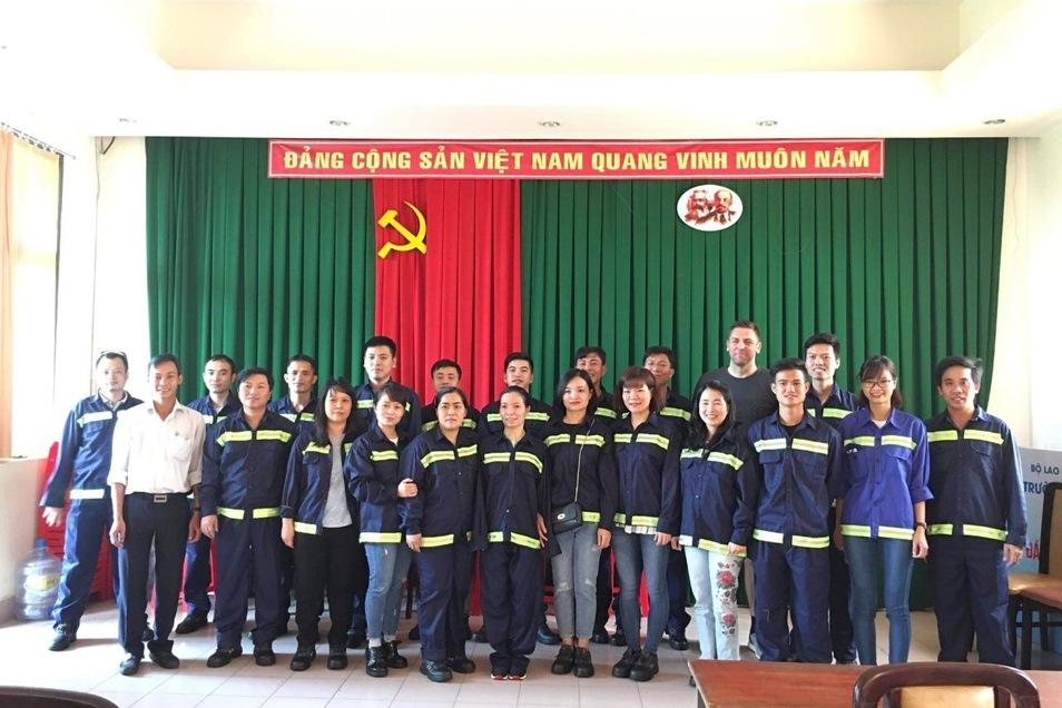 Das ist eine der Klassen von vietnamesischen Lehrern und Ausbildern, die durch die Experten der Stadtentwässerung auf den neuesten Stand gebracht wurden.