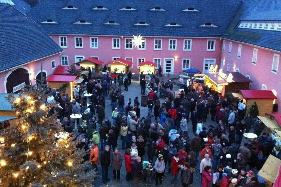 Der Weihnachtsmarkt in Jauernick-Buschbach im Hof des St. Wenzeslausstiftes findet in diesem Jahr nicht statt.