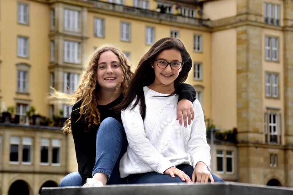 Maria Paula (l.) und Andrea Isabella sind seit Februar als Gastschüler in Dresden. Ihre Schulen haben sie kaum von innen gesehen.