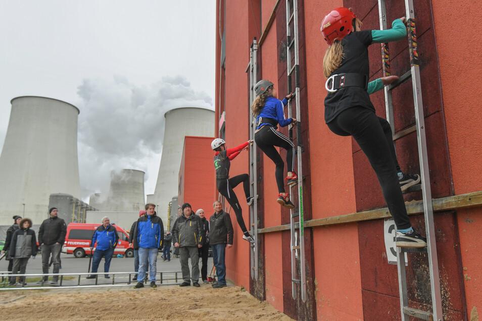 Ein Kraftakt anderer Art ist es für die Leag selbst, den Weg aus der Kohle zu meistern.