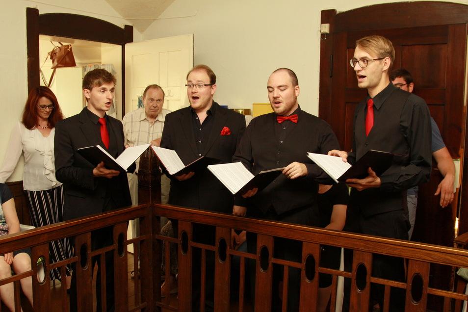 Nachdem Mitglieder des Ensemble Nobiles in der Villa Bauch in Roßwein und wenig später im Ratssaal ihr Können präsentiert haben, wird ihr nächstes Konzert in der Stadtkirche in Roßwein zu erleben sein.