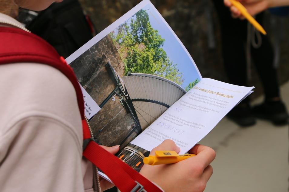 Die Hefte für die neue Geocaching-Tour gibt es kostenlos in den DVB-Servicepunkten sowie an den Stationen der Standseilbahn und Schwebebahn.