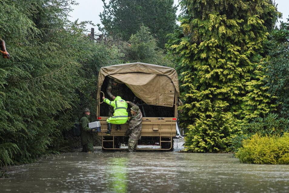 Hunderte Menschen müssen in der neuländischen Provinz Canterbury evakuiert werden.