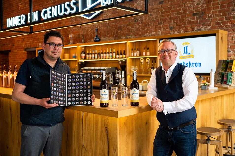 Stefan Hähnel (li.), der Leiter der Marketingabteilung und nun auch für die Veranstaltungssparte zuständig mit Uwe Köhler, dem Geschäftsführer der Landskronbrauerei.