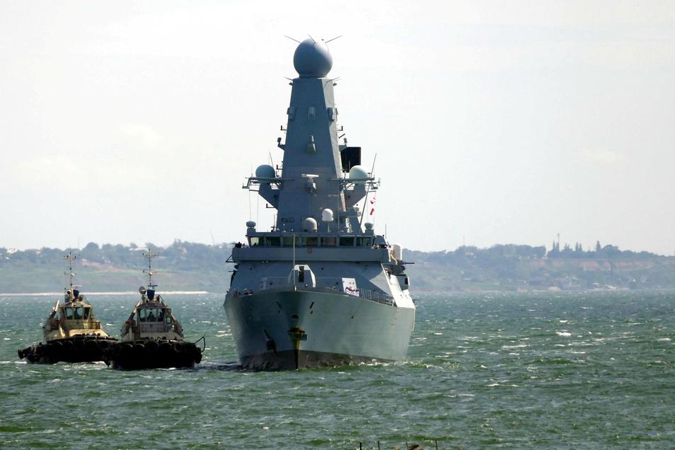 Erst vor wenigen Tagen lieferte sich das britische Verteidigungsministerium eine diplomatische Auseinandersetzung mit Russland wegen eines Kriegsschiffs im Schwarzen Meer.