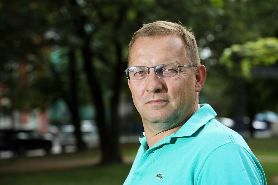 """Riesas Ex-Kämmerer und Stadtrat Markus Mütsch (Freie Wähler) sagt, die Rechtsaufsicht müsste die Stadt Riesa zwingen, die Verträge ihrer Gesellschaften zu überarbeiten. """"Stattdessen lässt sie sich vom Oberbürgermeister auf der Nase herumtanzen."""""""