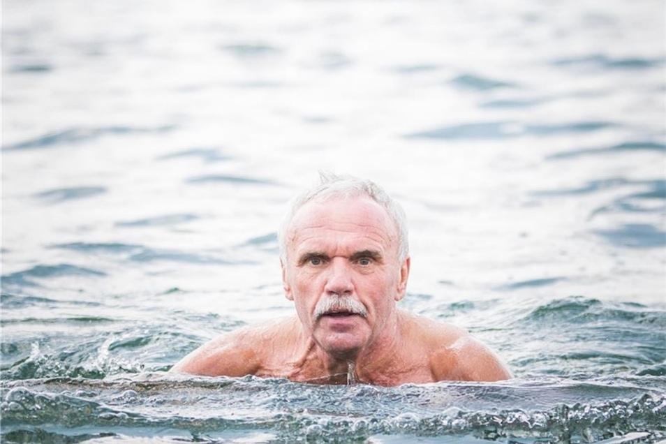 """Andreas Naumann kennt das Bad von früher. """"Die Leute sind freundlich. Es ist erholsam hier, sauber und nicht zu voll."""""""