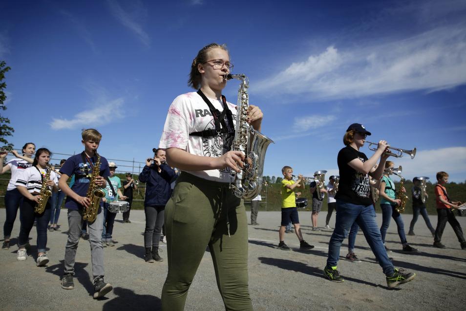 Die Juniorband des Oberlichtenauer Spielmannszuges marschiert auf ein großes Jubiläum zu. Dafür wird jetzt viel geübt.