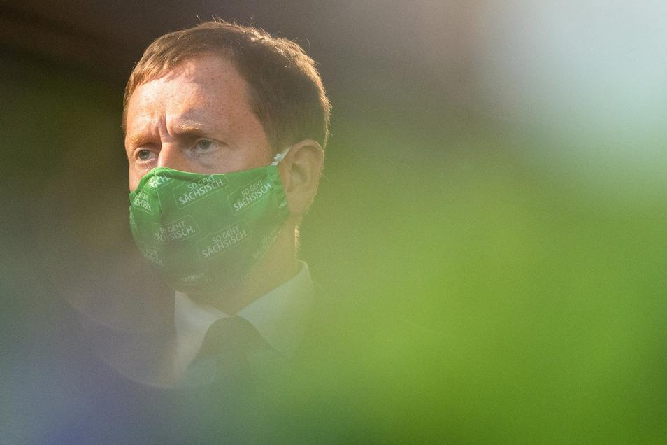 Sachsens Ministerpräsident Michael Kretschmer sieht in dem am Montag beginnenden Lockdown in Sachsen die einzige Möglichkeit, die medizinische Versorgung im Land zu gewährleisten.