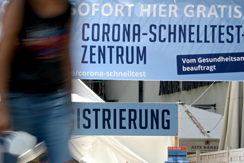 Die Zahl der nachgewiesenen Corona-Fälle in Deutschland sinkt weiter.