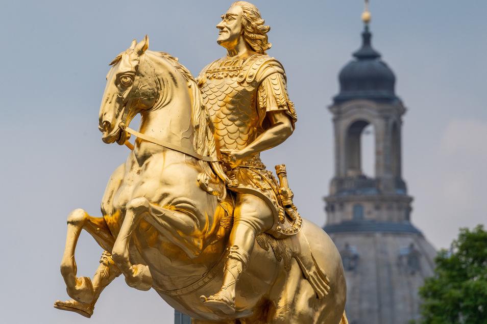 Dem Goldenen Reiter fehlt sein Schwert.