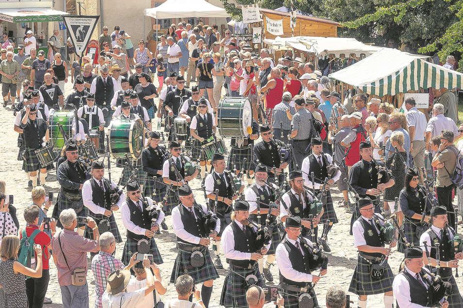 """Die Miskus-Veranstaltung """"Pipes, Drums & More"""" im Kloster Buch avancierte zum Publikumsrenner. Mehr als 5 300 Besucher wollten das schottische Flair genießen."""