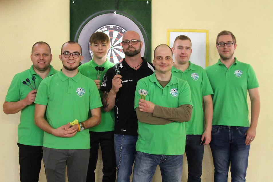 Torsten Dathe (von links), Elias Hansch, Johannes Hansch, Mario Streil, Enrico Troska, Justus Jentsch und Nico Rothe traten für den SV 52 Zschaitz an.