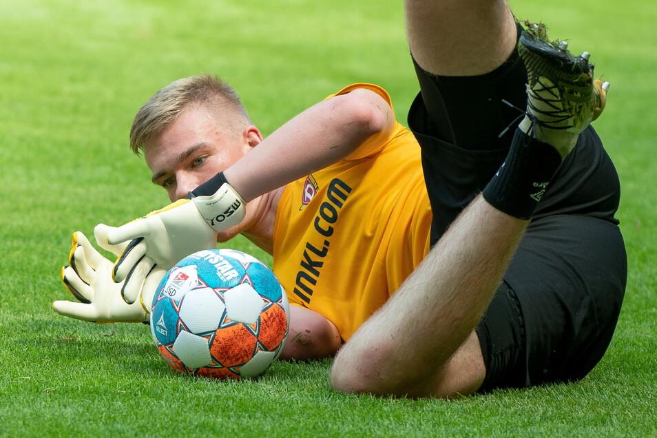 Jannis Maul gilt als das nächste Torwart-Talent bei Dynamo. Der 17-Jährige wechselte im vorigen Sommer vom Viktoria Fulda nach Dresden.