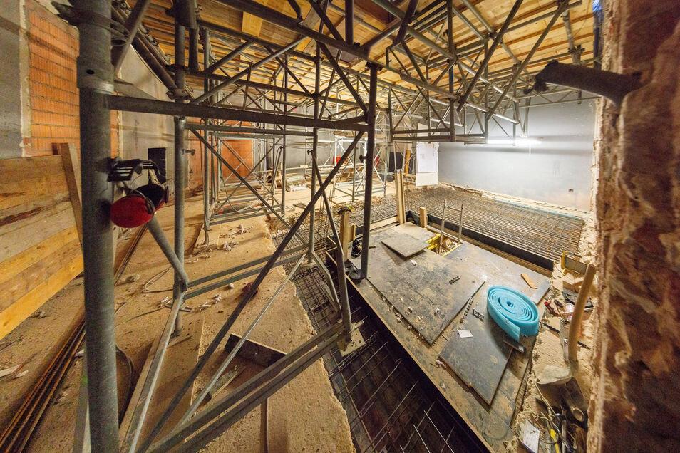 Im Pirna-Saal wird ein Aufzug installiert, über den Besucher zur Ausstellung kommen. Derzeit wird der Raum dafür ausgebaut.