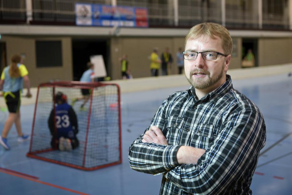 Frank Weinberg, der Vorsitzende beim Floorballverein UHC Döbeln 06, hat seinen Rücktritt erklärt. Er hat seine Gründe dafür.