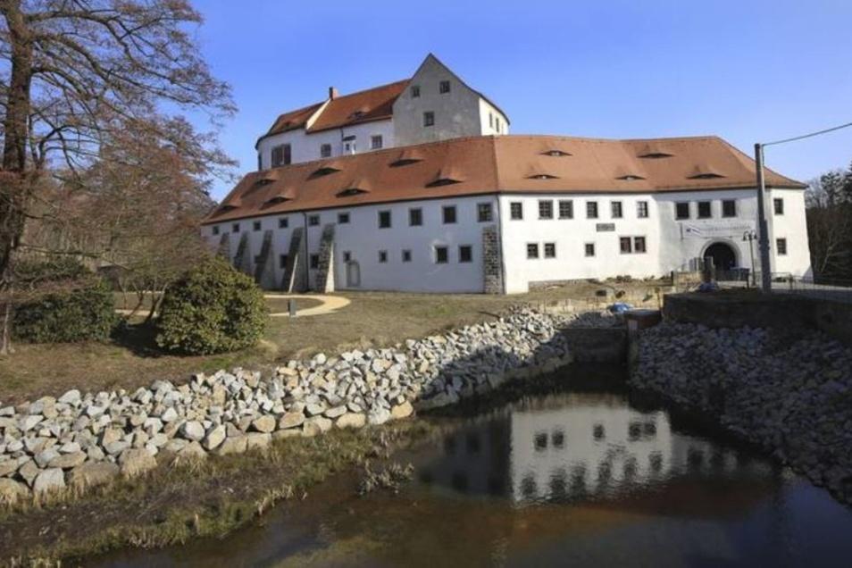 Schloss Klippenstein in Radeberg - dort bauen Kinder am 12. Juli Burgen.