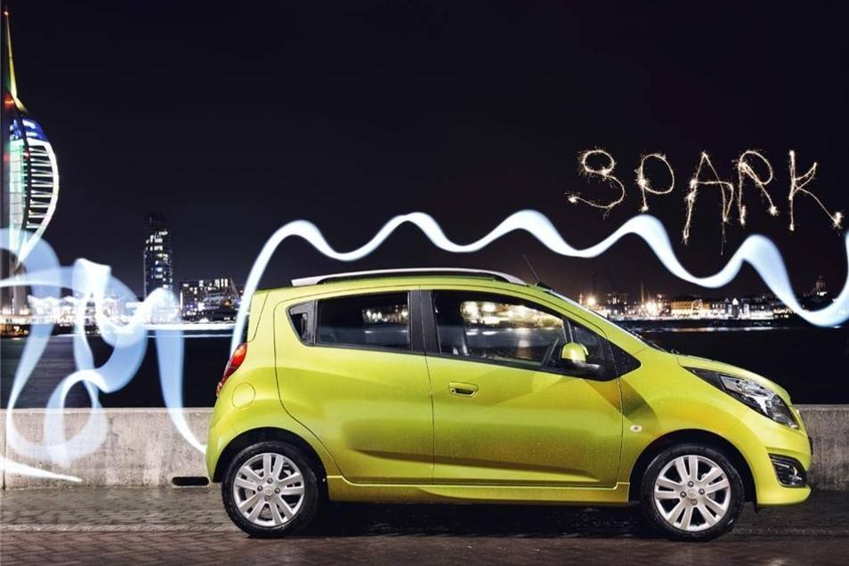 Fünf E-Autos von General Motors rollen ebenfalls durch Dresden. In der Zulassungsstatistik tauchen diese Autos als   GM/Daewoo auf, es handelt sich daher um in Korea gebaute Chevrolet.  Mehr werden es nicht: Die Amerikaner haben sich mittlerweile weitgehend vom deutschen Markt zurückgezogen.