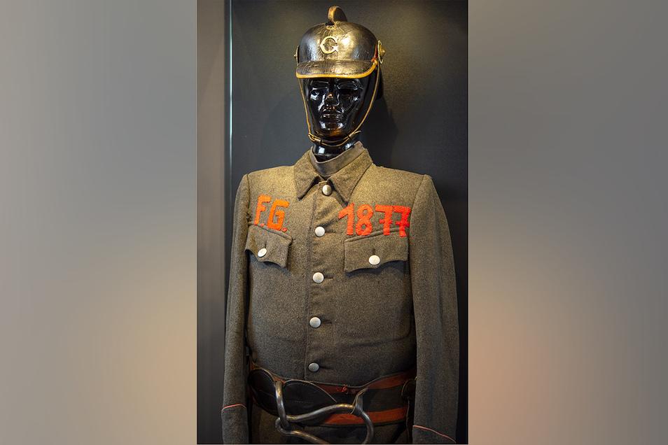 Das Gründungsdatum wurde anlässlich eines Festumzuges auf die Uniform gestickt.