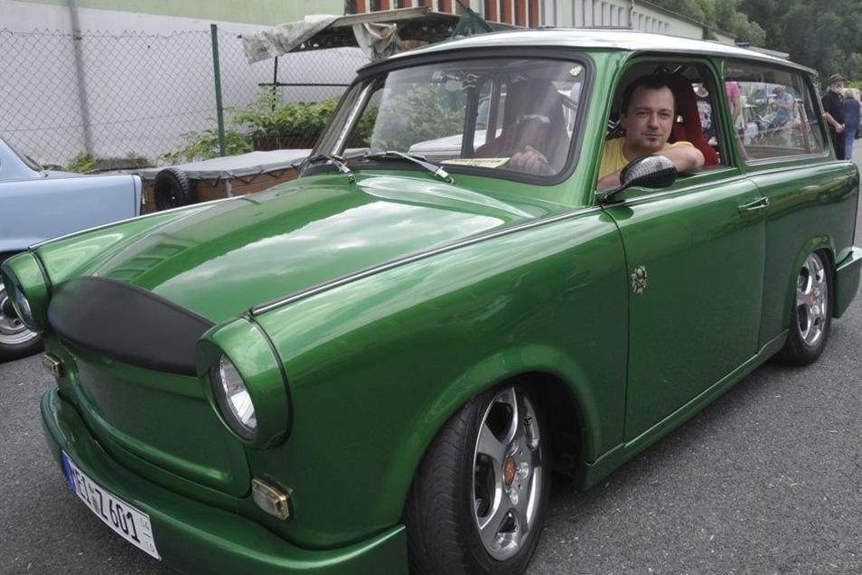 Maik Grellmann kam mit seinem Kult-Auto sogar aus Meißen.