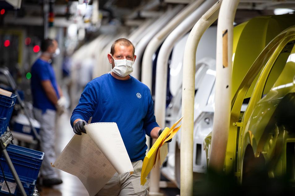 Der Arbeitsalltag in der Autobranche ändert sich gerade gewaltig.