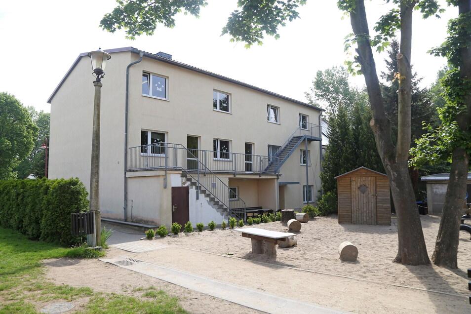Der Hort der Grundschule Ragewitz ist viel zu klein. Ausgelegt für 80 Hortkinder, wird er dank Ausnahmegenehmigung von 120 Mädchen und Jungen besucht. Jetzt soll ein Neubau her.
