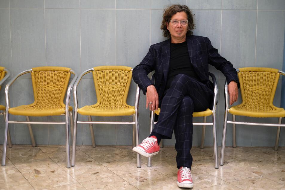 Franzobel (53) ist ein vielfach ausgezeichneter, sehr produktiver und in vielen Sprachen übersetzter österreichischer Schriftsteller. Er soll Dresdens neuer Stadtschreiber werden.