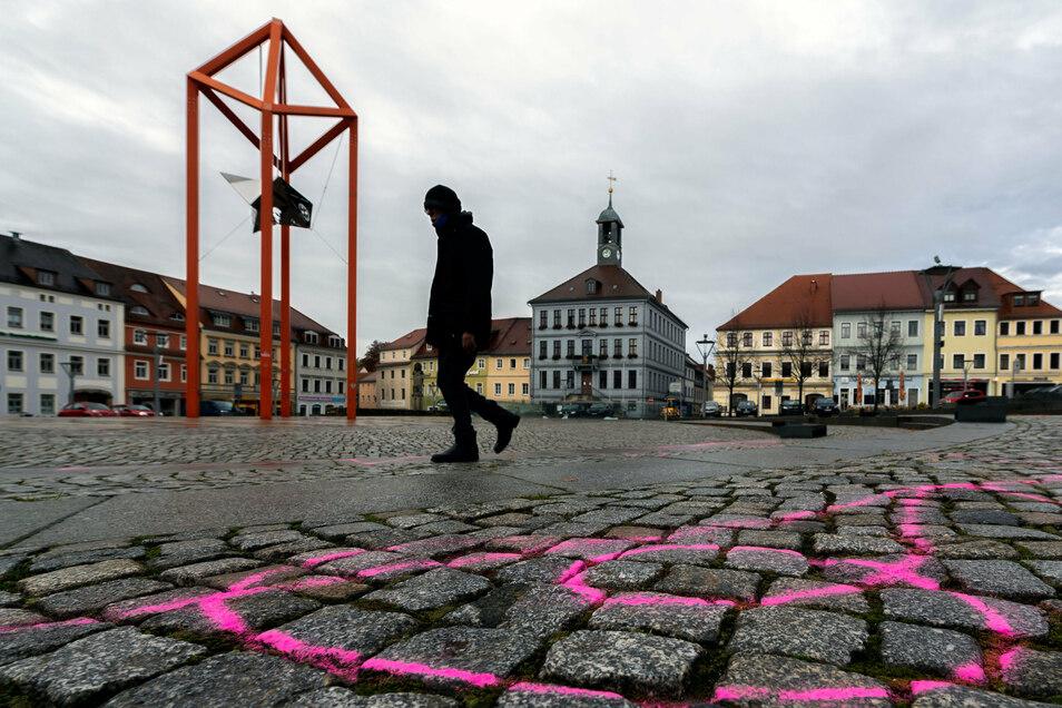 Die Spuren der Tänzer waren am Montagvormittag noch gut auf dem Altmarkt zu sehen. Wie viel Aufsehen sie erregen, wird sich zeigen.