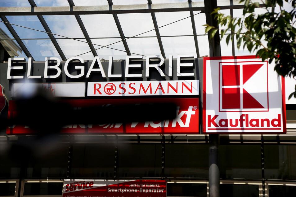 Das Kaufland in der Riesaer Elbgalerie zieht viele Kunden an - und ist deshalb auch für die benachbarten Händler ein wichtiger Nachbar.
