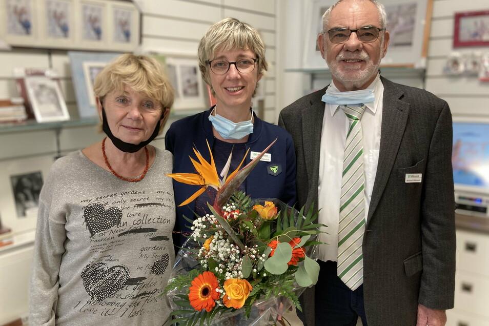Renate, Susanne und Hartmut Münnich freuten sich zum 30-jährigen Bestehen ihres Geschäfts auf den Besuch zahlreicher Gratulanten.