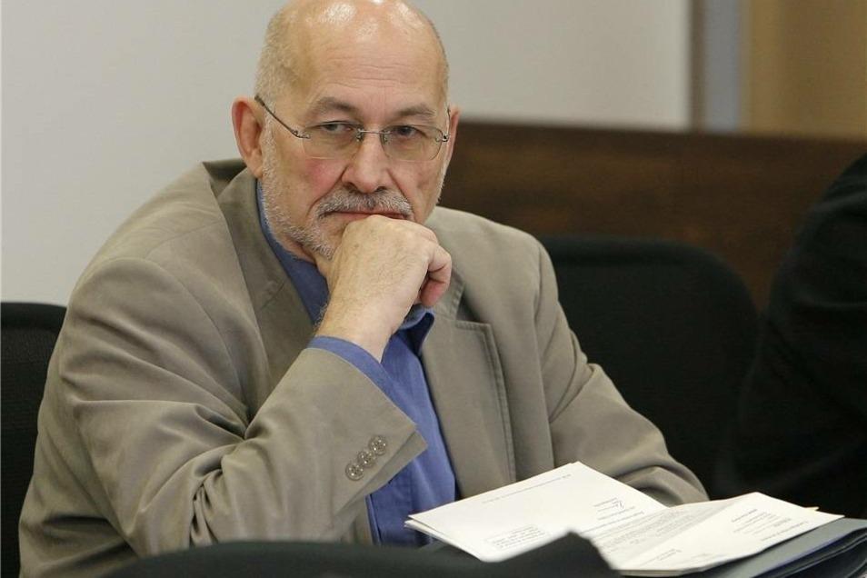 Gegen Horst Mahler ist inzwischen Anklage in weiteren Fällen von Volksverhetzung erhoben worden