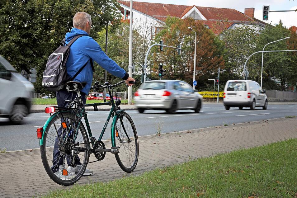 Seit fast zwei Jahren ist der Riesaer Matthias K. (Name geändert) aufs Fahrrad angewiesen. Seit einem Alkoholverstoß ist sein Führerschein weg. Was der 55-Jährige seitdem erlebt hat, gleicht einer Odyssee.