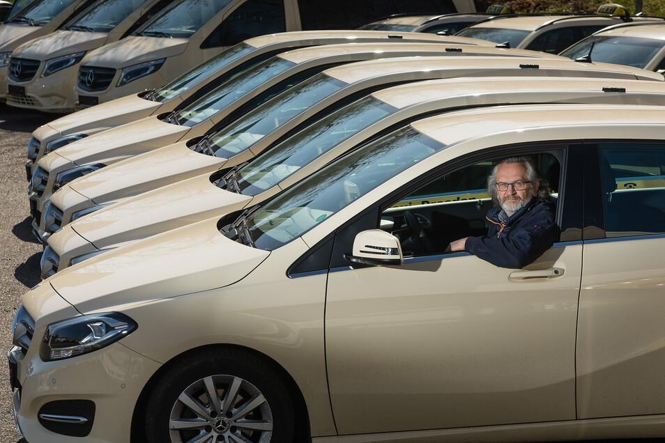 """""""Es fährt einfach niemand mehr Taxi"""": Taxiunternehmer Ralph Dathe hat mehrere Wagen seiner Flotte abgemeldet."""
