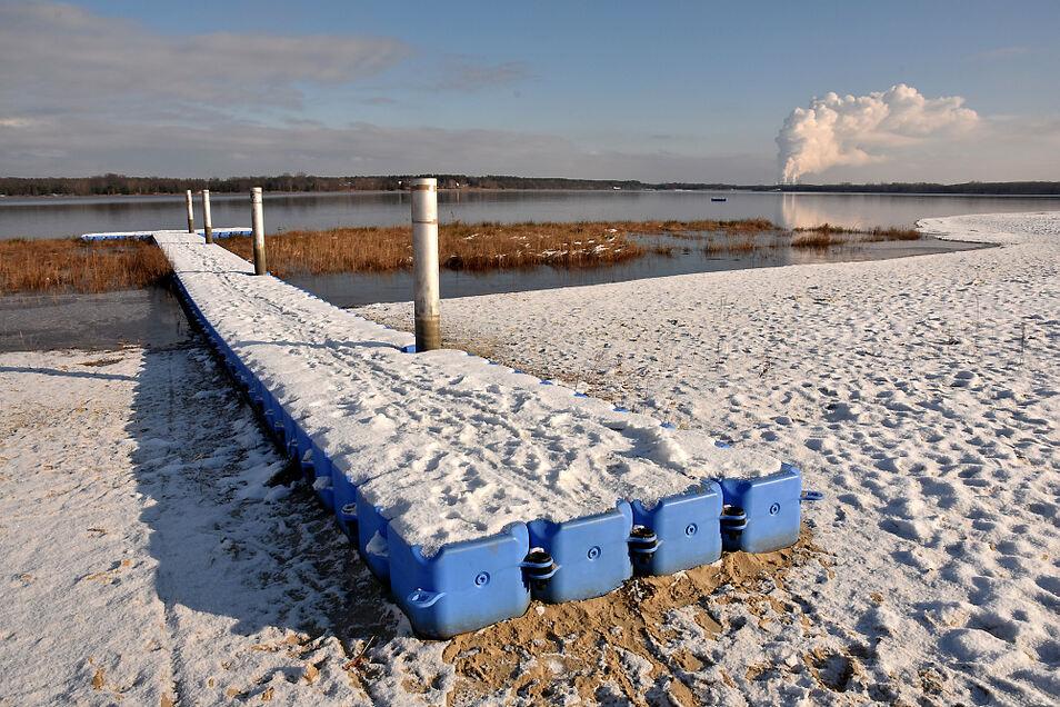Winteridylle am Dreiweiberner See. Auch im Sommer gab es in den letzten Jahren keine Beeinträchtigungen durch Verockerungen.