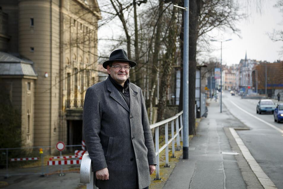 Der Stadthalle bleibt Thomas Leder als Vorsitzender des Stadthallenvereins verbunden.