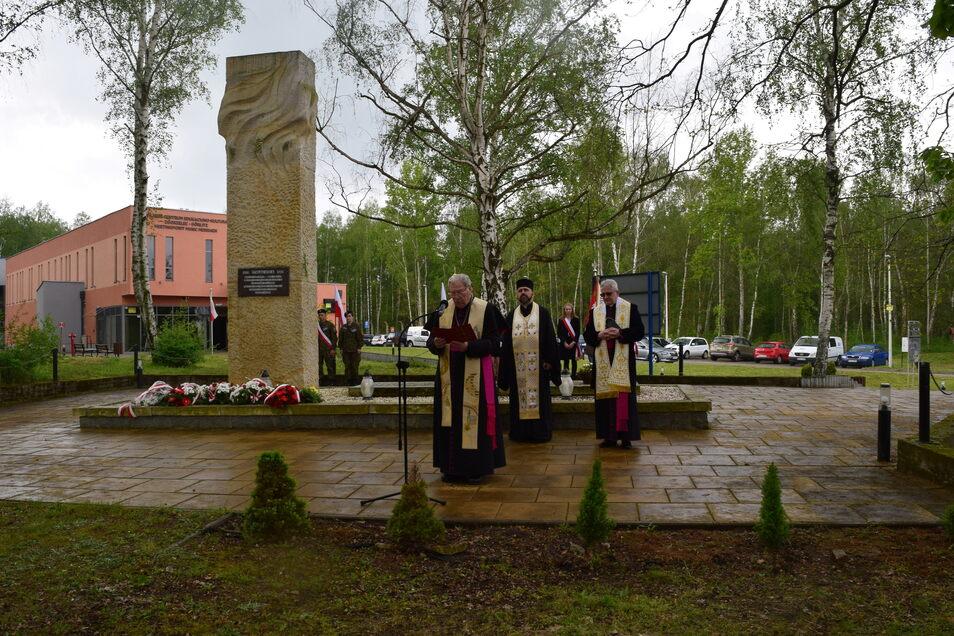 Die Gedenkstätte Stalag VIII A in Zgorzelec - hier Ende April bei der Gedenkveranstaltung zum 76. Jahrestag der Befreiung des Lagers.