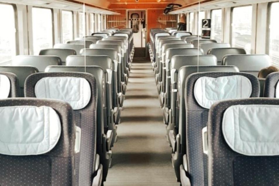 Dieses Bild eines fast leeren ICs von Rostock nach Hamburg hat uns ein Zugbegleiter aus Dresden zur Verfügung gestellt.